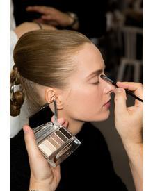 Dior Eye Reviver. Фото 2