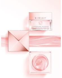 Givenchy L'Intemporel Blossom Radiance Reviver Cream. Фото 3