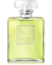 CHANEL - Chanel No 19 Poudre