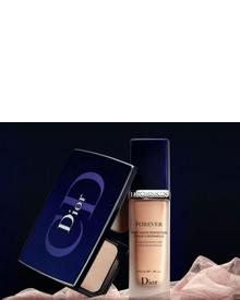 Dior DiorSkin Forever Fusion Wear Makeup Compact SPF 25 PA ++. Фото 1