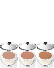 Clinique Beyond Perfecting Powder Foundation. Фото 1