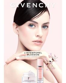 Givenchy L'Intemporel Blossom Radiance Reviver Cream. Фото 4