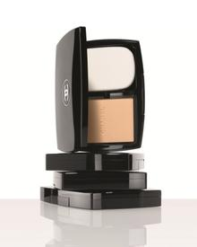 CHANEL Vitalumiere Compact Douceur SPF 10. Фото 2