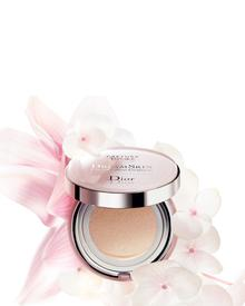 Dior Dreamskin Perfect Skin Cushion SPF 50. Фото 4