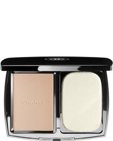 CHANEL - Vitalumiere Compact Douceur SPF 10