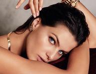 Матовая кожа снова в тренде: 7 лучших матирующих тональных средств.