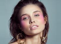 Магія рожевого в макіяжі: 4 надзвичайні образи для натхнення.