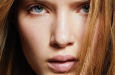 Літній макіяж: тональний крем чи пудра, що краще в спеку?