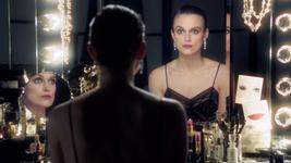 Драматический макияж Chanel в стиле 30-х годов.