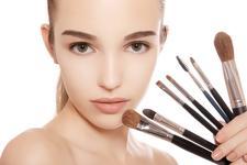 9 самых необходимых кистей для макияжа!