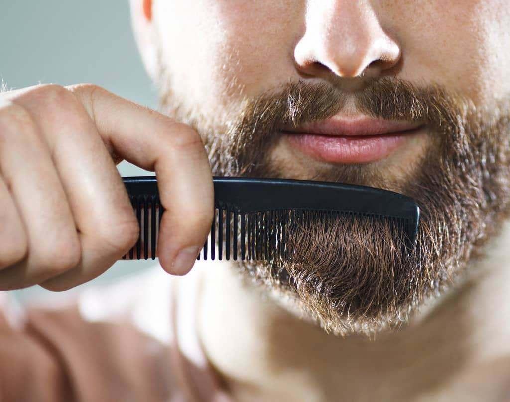 Укладка бороды с помощью косметики