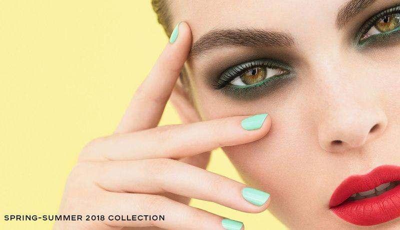 Весенне-летняя коллекция Chanel Neapolis New City 2018.
