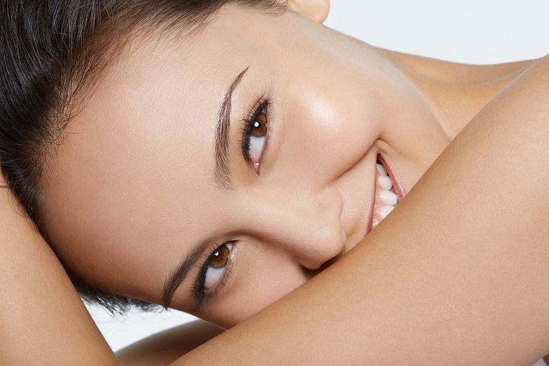 Новый тренд в уходе за кожей: очищение маслом.