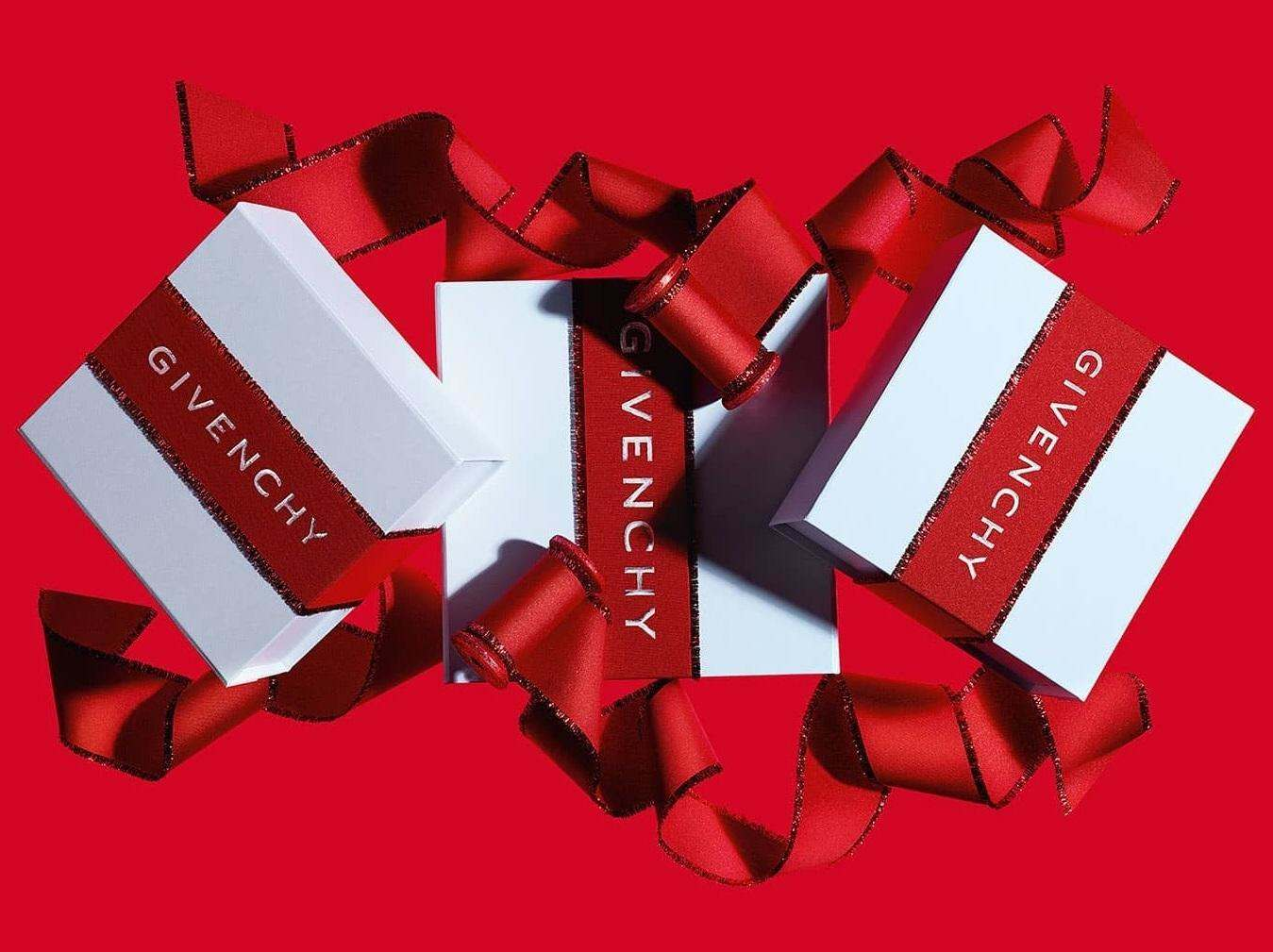 Свято наближається: різдвяні набори Givenchy 2021!