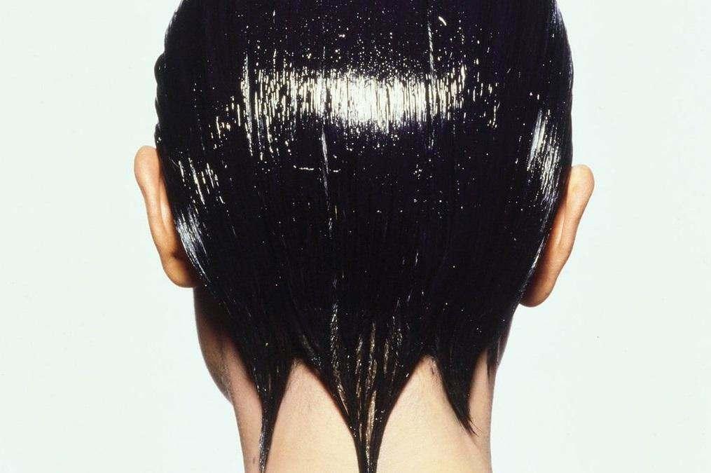 5 головних помилок у використанні олії для волосся.