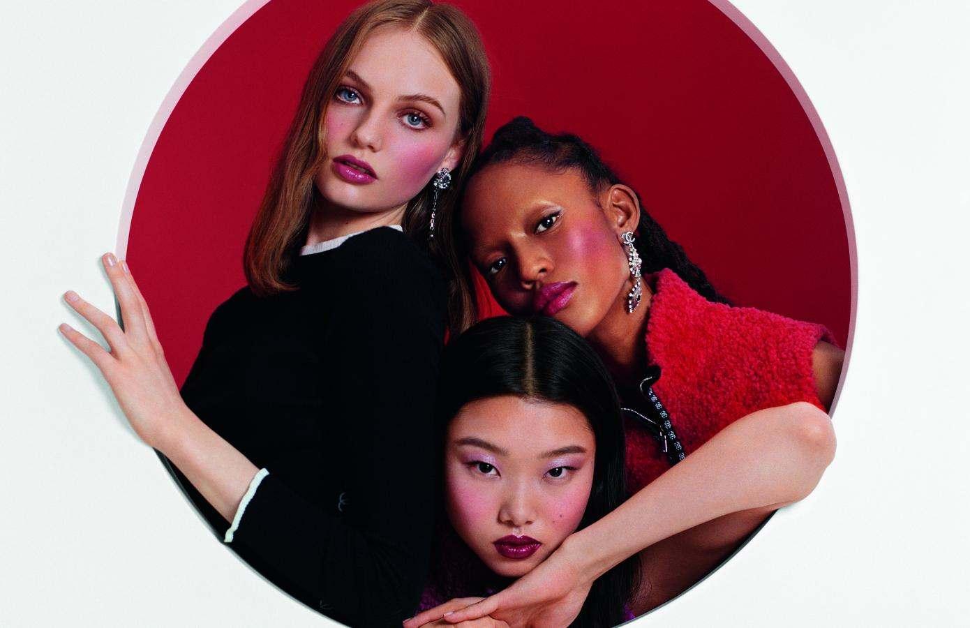 Ювілейна колекція рум'ян Chanel 40th Anniversary Joues Contraste Powder Blush.