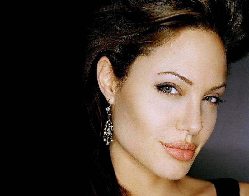 Макияж Анджелины Джоли: как выглядеть как звезда.