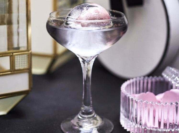 Чарівні аромати з алкогольними нотами.