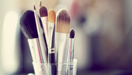 6 правил ухода за кистями для макияжа.