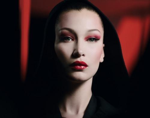 Идея макияжа на Хеллоуин от Диор: осмельтесь на захватывающее преображение!
