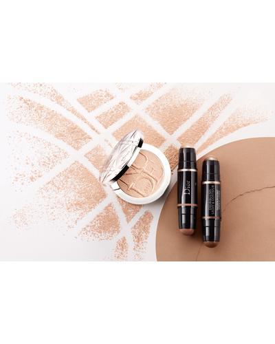 Dior Diorskin Nude Air Luminizer Powder. Фото 3