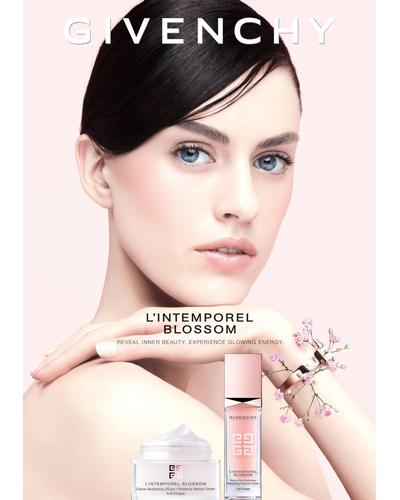 Givenchy L'Intemporel Blossom Rosy Glow Highlight Care. Фото 5
