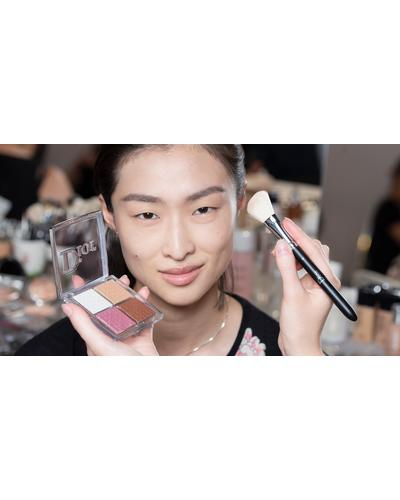 Dior Кисть для румян Backstage Blush Brush №16. Фото 1