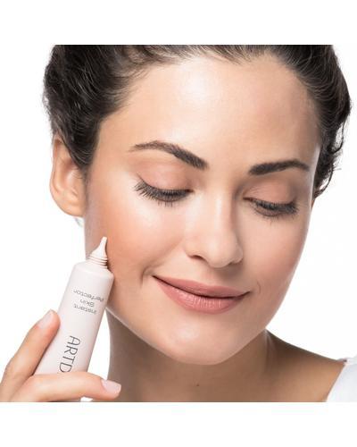 Artdeco Instant Skin Perfector. Фото 1