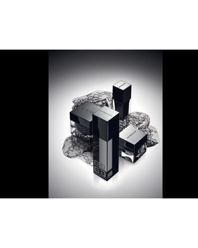 Givenchy Le Soin Noir Renewal Serum. Фото 2