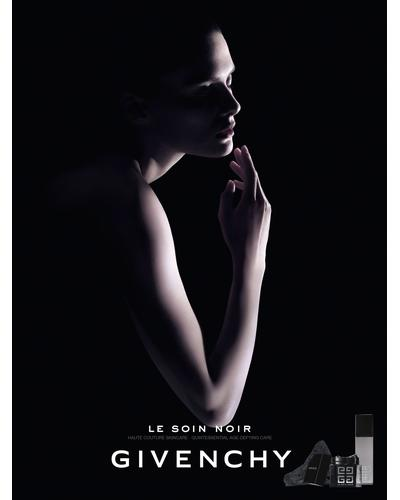 Givenchy Le Soin Noir Renewal Serum. Фото 4