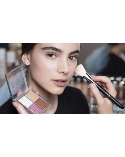 Dior Кисть для румян Backstage Blush Brush №16. Фото 2