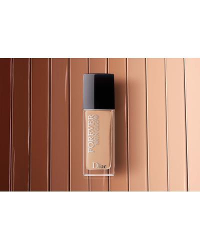 Dior Стойкий увлажняющий тональный крем для сияющего покрытия Forever Skin Glow. Фото 4