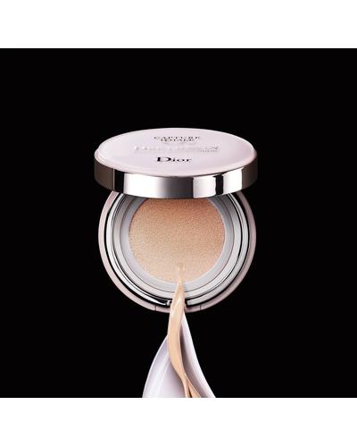 Dior Dreamskin Perfect Skin Cushion SPF 50. Фото 5