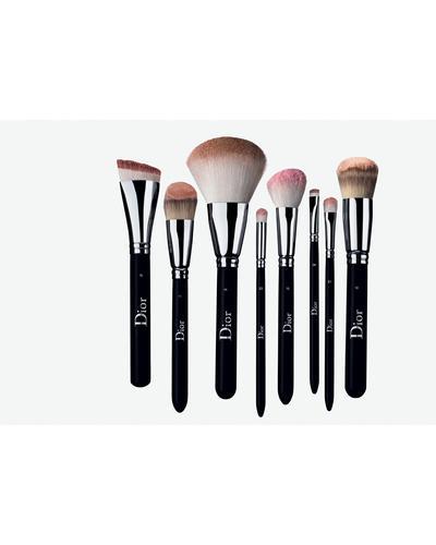 Dior Кисть для тональной основы, лёгкое покрытие Backstage Light Coverage Fluid Foundation Brush № 11. Фото 3