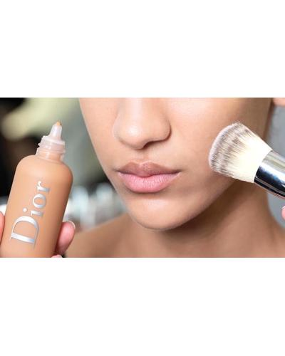 Dior Backstage Full Coverage Fluid Foundation Brush №12. Фото 1