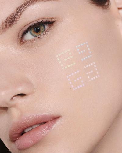 Givenchy Матирующая рассыпчатая пудра с эффектом сияния 4 в 1 Prisme Libre Loose Powder. Фото 1