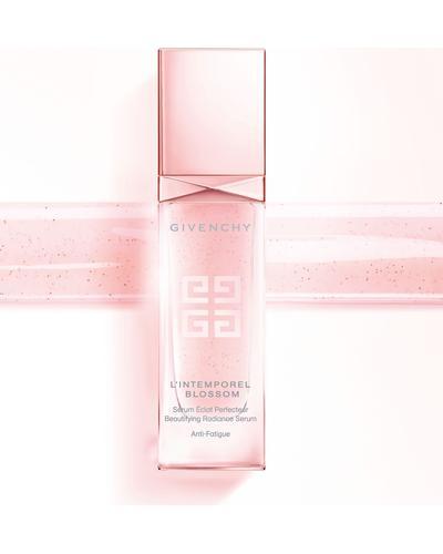Givenchy L'Intemporel Blossom Beautifying Radinace Serum. Фото 2
