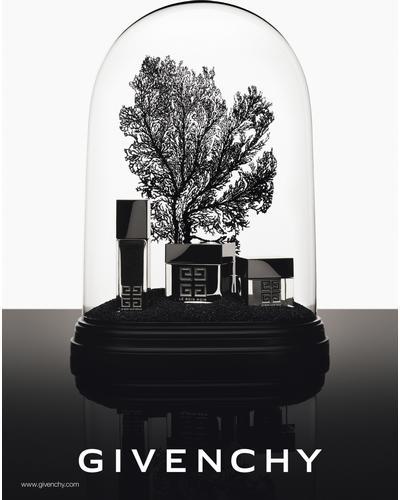 Givenchy Le Soin Noir Renewal Serum. Фото 5