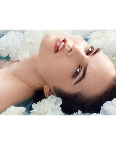 CHANEL Увлажняющий крем-флюид с водой камелии для сияния кожи Hydra Beauty Camellia Water Cream. Фото 5