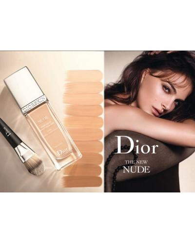 Dior Diorskin Nude Glowing Makeup SPF 15. Фото 2