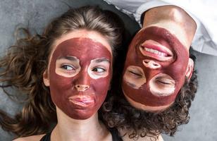 Матова шкіра: 6 ефективних масок для комбінованої та жирної шкіри.
