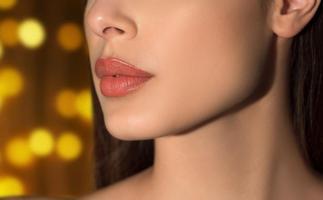 Треба знати: Як доглядати за губами, щоб вони не обвітрювалися взимку.